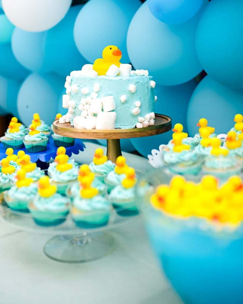 Bathtime Cake using marshmallows as bubbles for a rubber duck birthday party