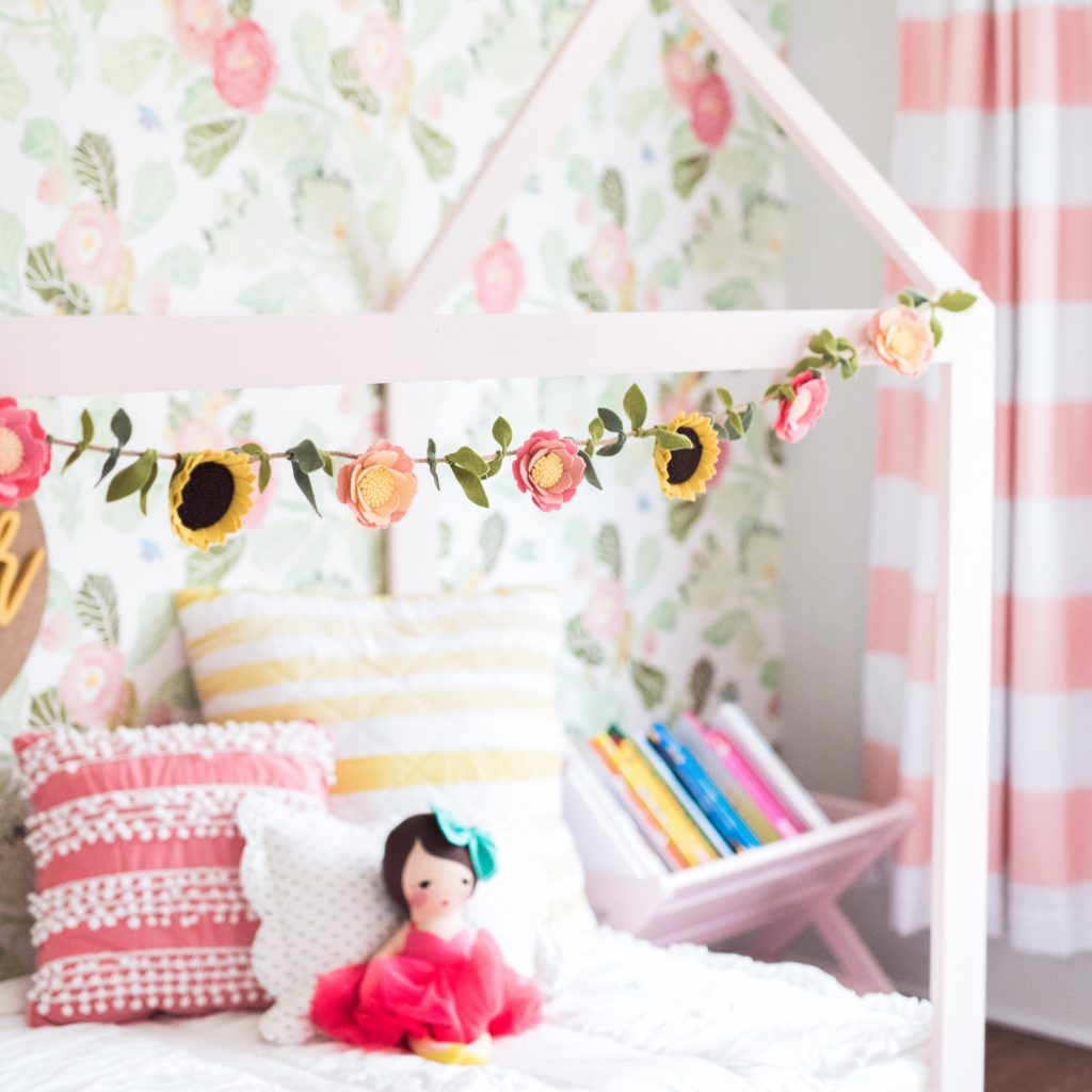 Floral big girl room | JessicaEtCetera.com | Lifestyle, Childhood & Photography Blog by Jessica Grant