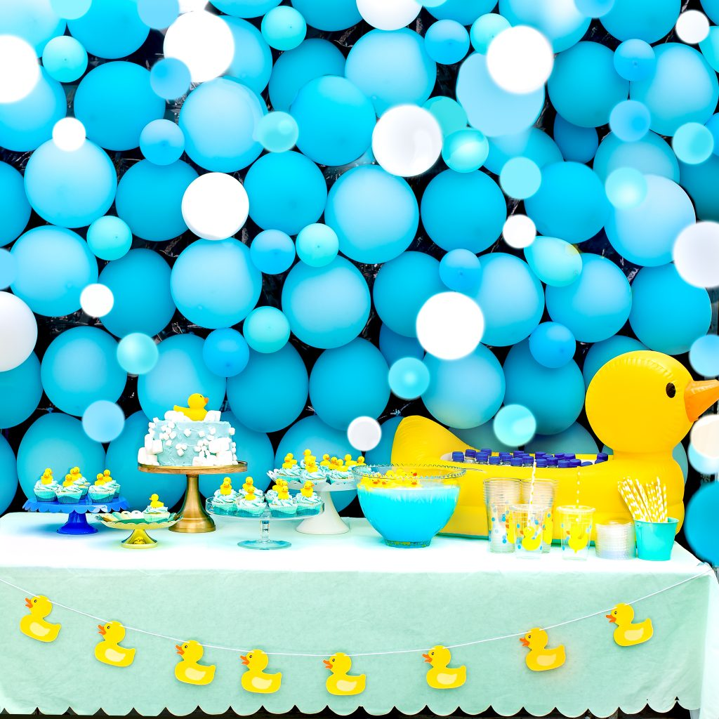 Rubber Duck Birthday Party - Balloon bubble bath Wall