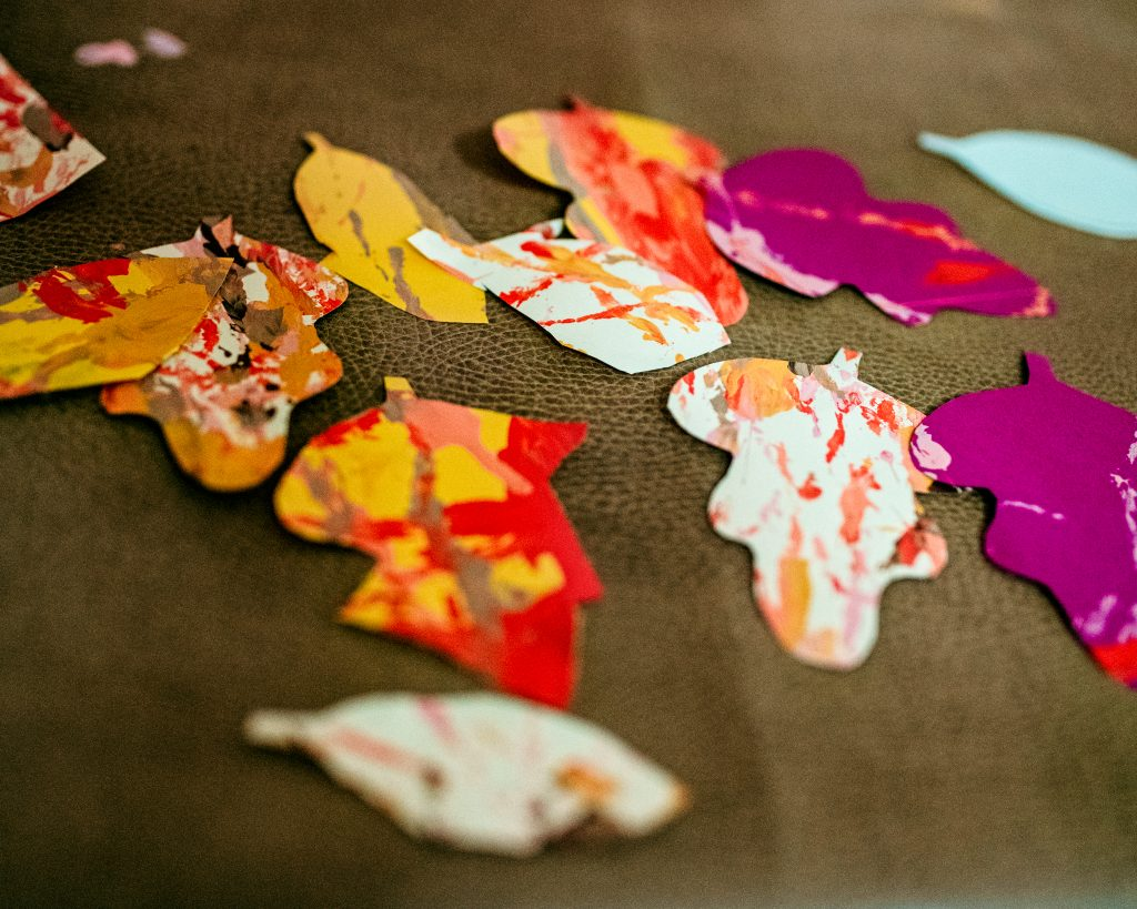 Thankful Tree arts and crafts leaves