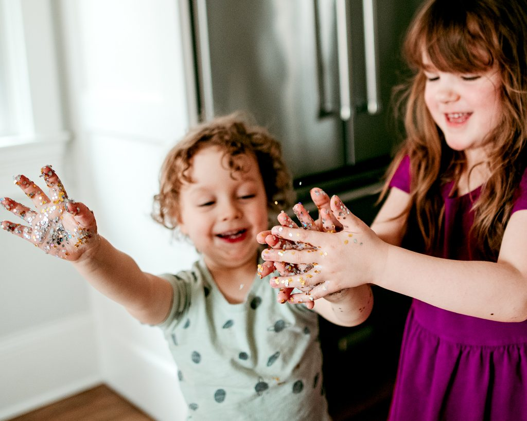 How to explain germs to kids with this simple glitter activity
