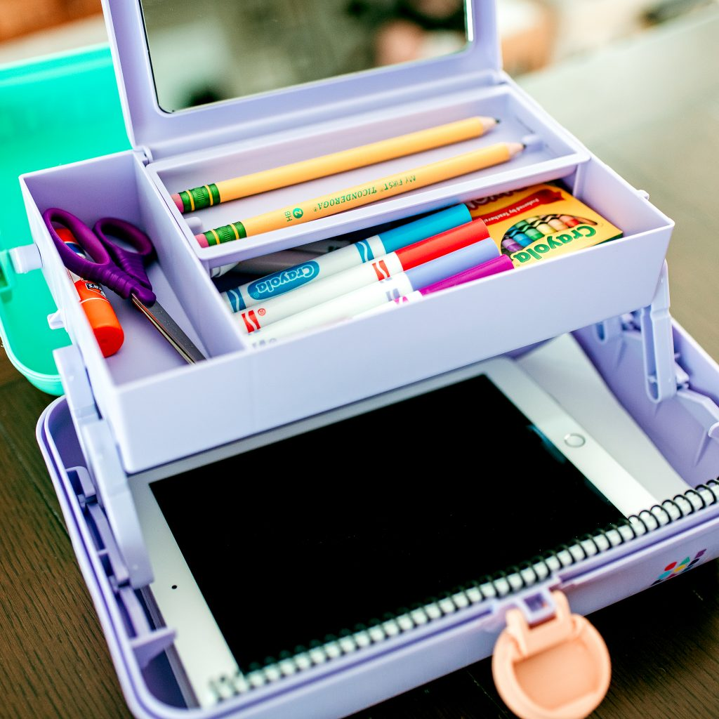 How to make a portable school supply storage kit for learning at home!
