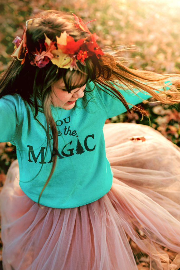 Photography: Gorgeous Fall Twirl in the leaves!