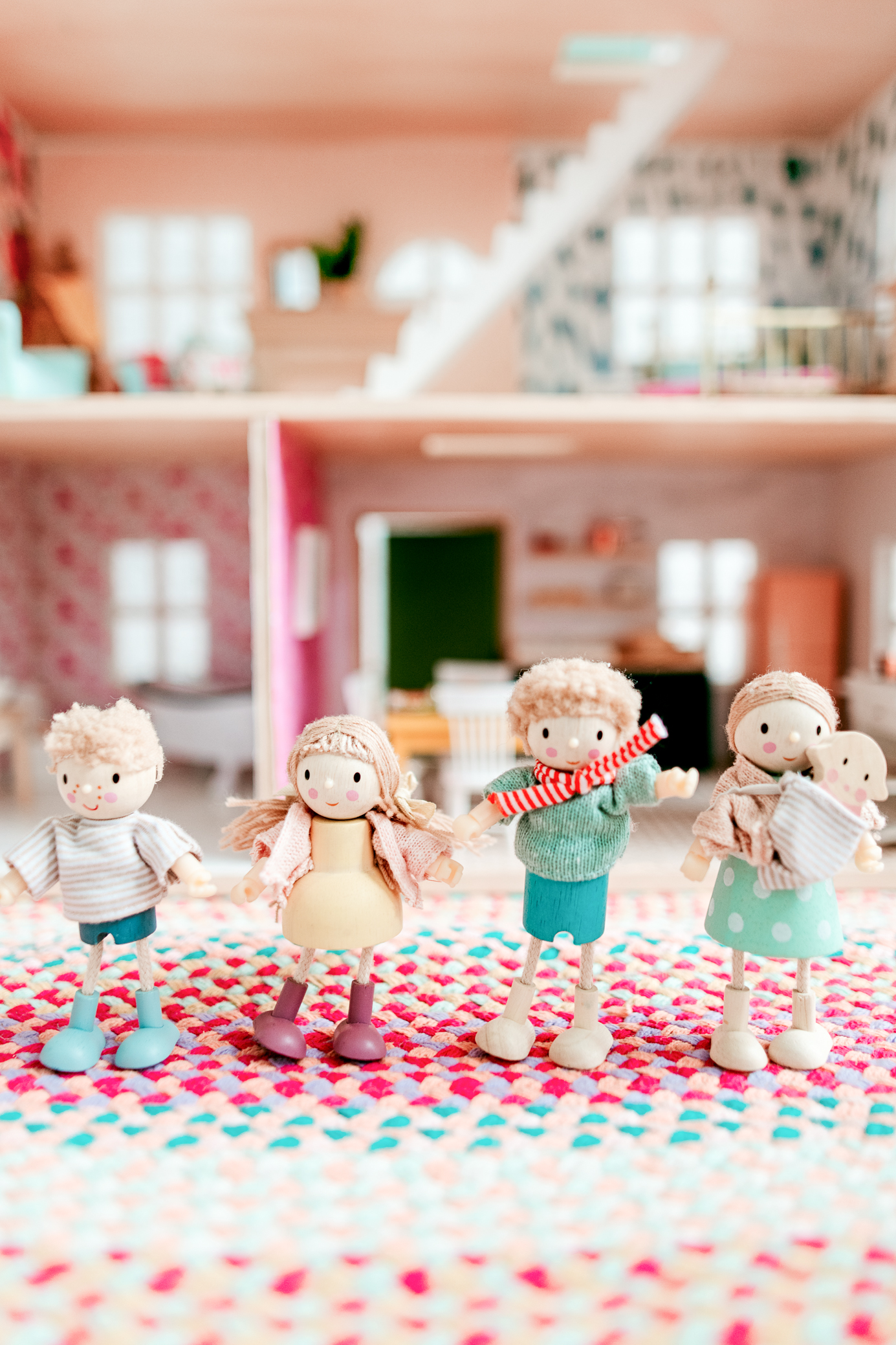 Such a cute dollhouse family! Check out this post for more cute and diverse dollhouse family finds!