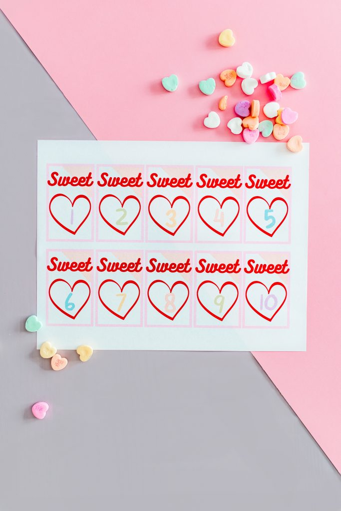 Valentine Math activities for preschool and kindergarten! Free printable for counting, grouping and addition