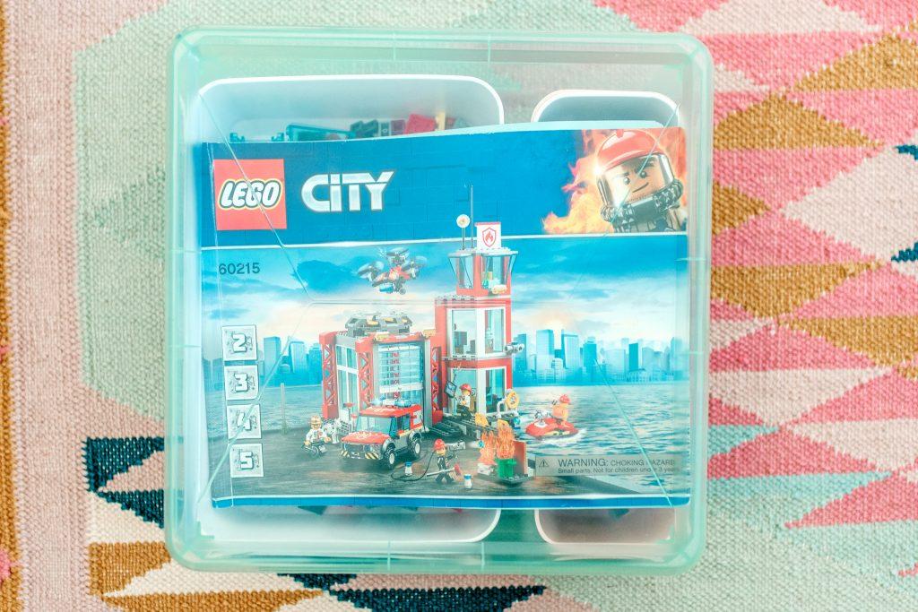 Lidded bin for lego organization