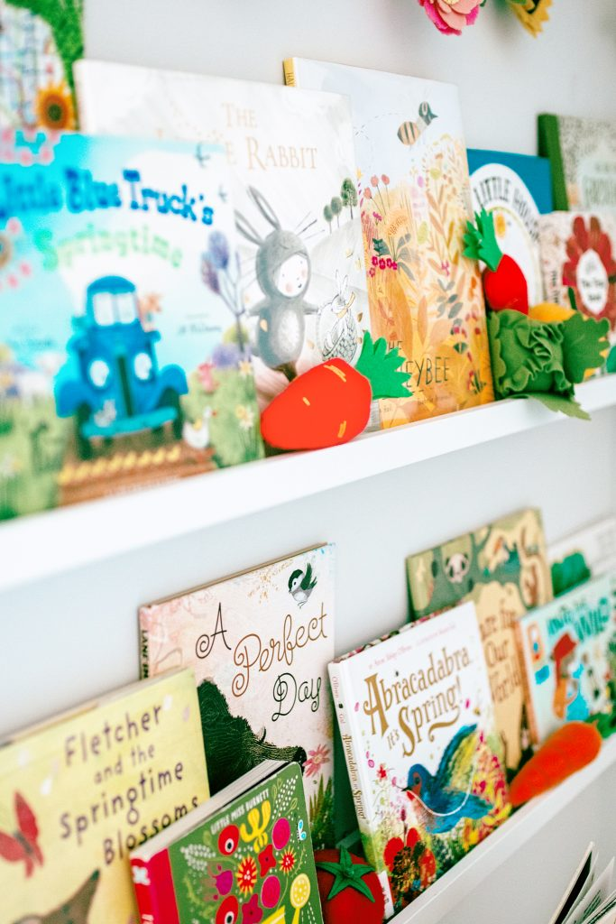 Spring bookshelves with all of our favorite picture books! Book list and links