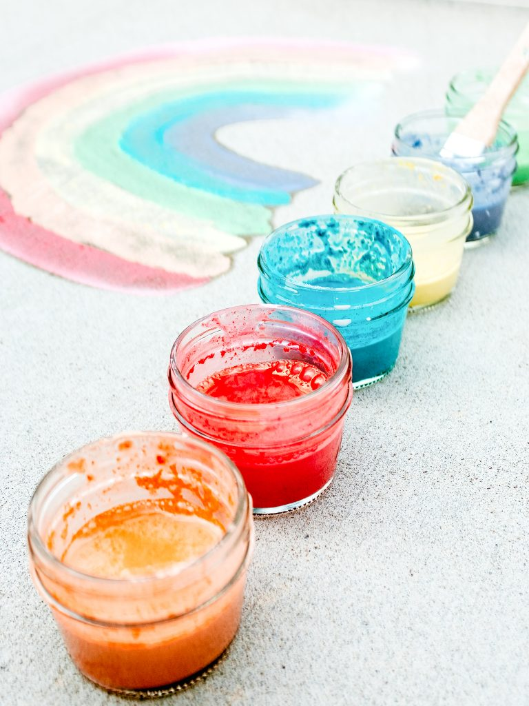 Make your own sidewalk chalk paint. A fun art and sensory activity for kids!